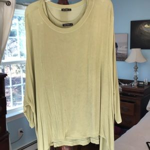 Lightweight celery green top.